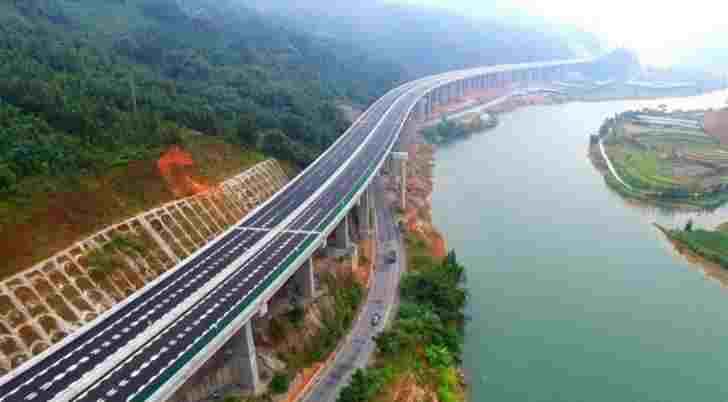 Țara care a construit în 6 luni o autostradă de 135 de kilometri. Imagini spectaculoase… Cum a fost posibil acest lucru