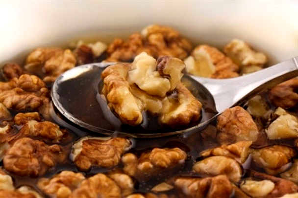 Doar cu o singură linguriță din acest amestec vei întări imunitatea în sezonul rece, vei slăbi și vei reduce colesterolul în 30 de zile!