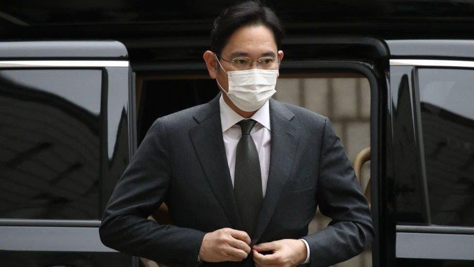 Lee Jae Yong: Mostenitorul Samsung trimis la inchisoare pentru un scandal de luare de mita