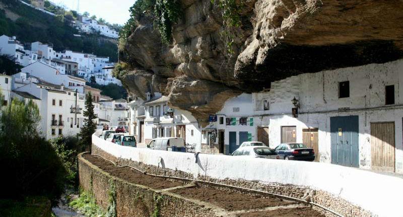 Oraș uimitor în stâncă: Setenil de las Bodegas