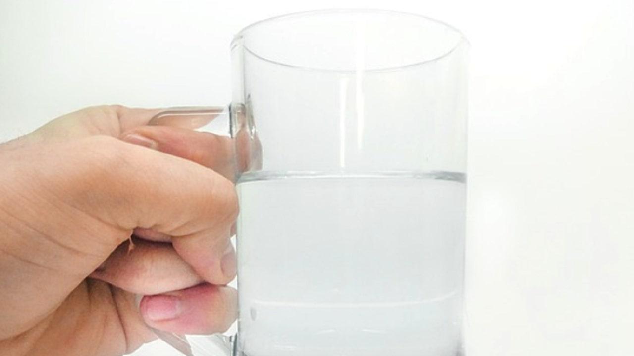 Dacă aveți aceste 6 simptome, atunci înseamnă că nu beți suficientă apă